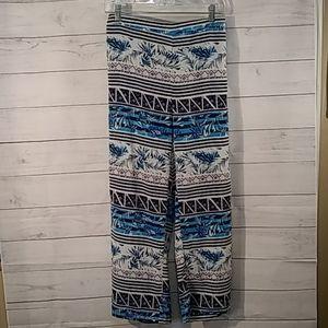 3/$15 Stoosh  wide-legged pants size M.